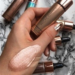 Makeup Revolution Liquid Highlighter Liquid Bronze Płynny rozświetlacz do twarzy GOLD V4 18ml