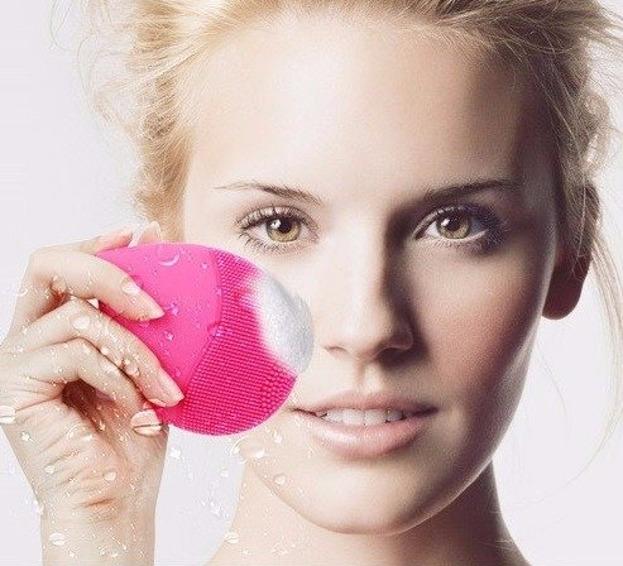 Myjka soniczna do oczyszczania twarzy w Różowa BP-1068